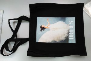 La bossa d'exemple negra del client del Regne Unit va ser imprès per la impressora tèxtil dtg