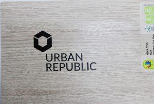 Impressió de logotip en materials de fusta per WER-D4880UV 2